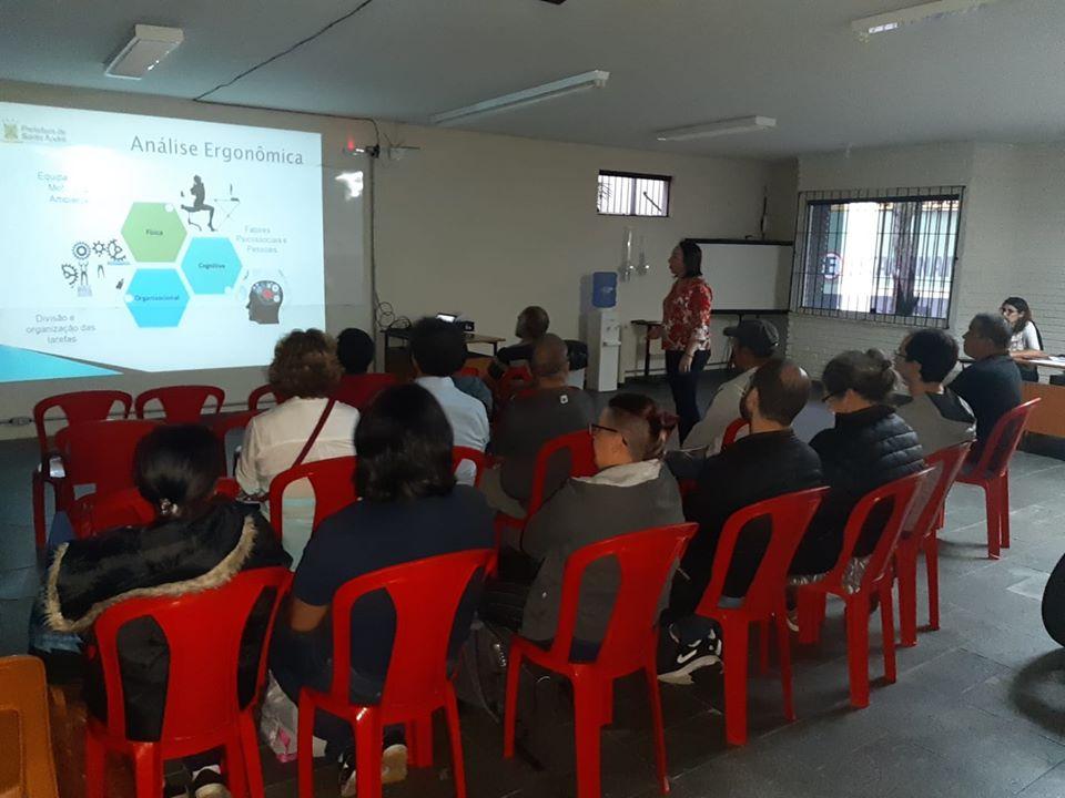 Imagem de Servidores participam de Treinamento de Ergonomia na sede do Sindicato