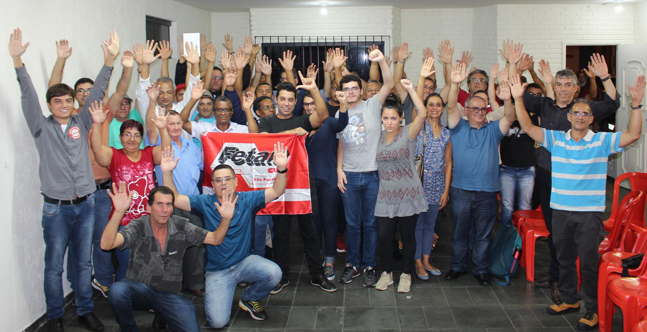 Imagem de Campanha Salarial: Servidores reprovam contraproposta do governo Paulo Serra