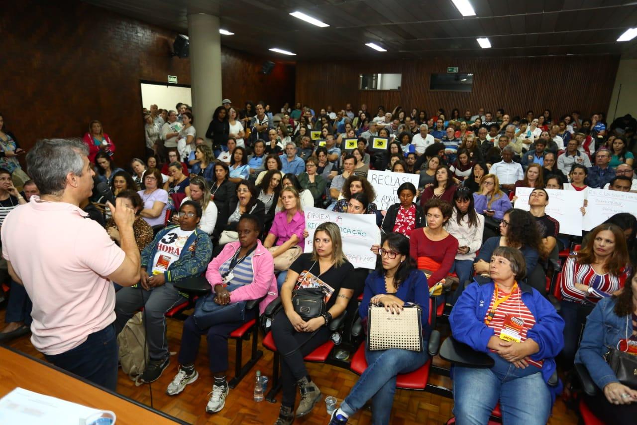 Imagem de Servidores de Santo André aprovam pauta de reivindicações da Campanha Salarial 2019